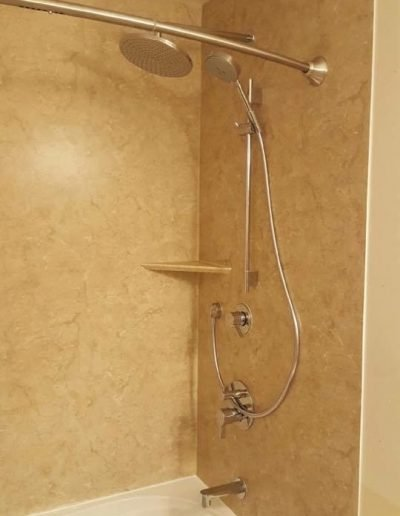 Tub_Replacement_with_Acrylic_Walls_Winnipeg_Rocketrooter_Bathroomexperts_01